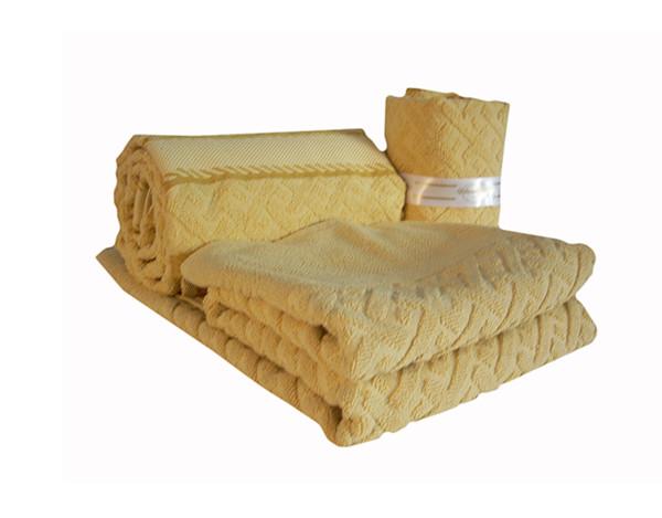 Asciugamani gialle con tappeto bagno 450 gr\mq Mod.Sport