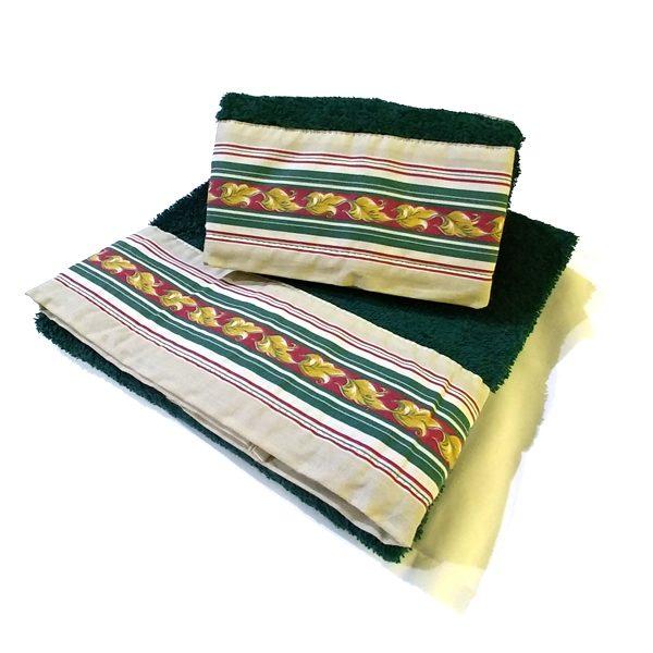 Asciugamano verde con balza applicata 15 cm peso 550 gr/mq